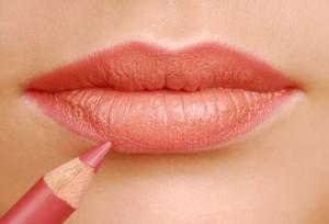 Тонкие губы