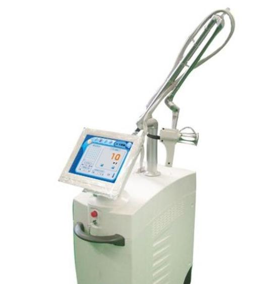 Косметологический аппарат CO2 фракционный лазер (10600nm) YILIYA- 10600A, с Удостоверением Минздрава РФ (РЗН 2020/9752)