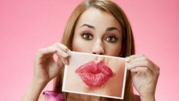 Как правильно ухаживать за губами?Достаточно ли пользоваться гигиенической помадой?